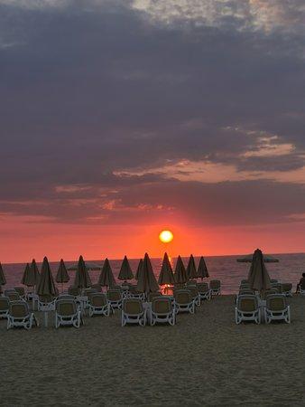 TUI MAGIC LIFE Calabria: sunset on beach