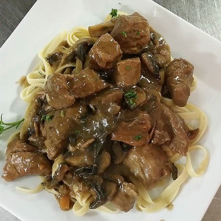 Veal Bourgignonne
