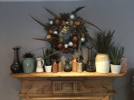 Britwell Salome, UK: Christmas Fireplace
