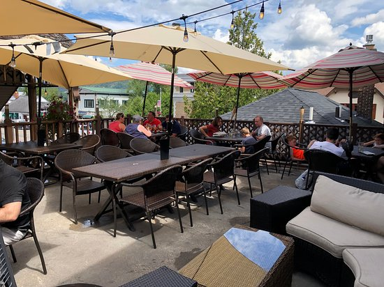 Upstairs Grill Steak & Seafood - outdoor dining patio