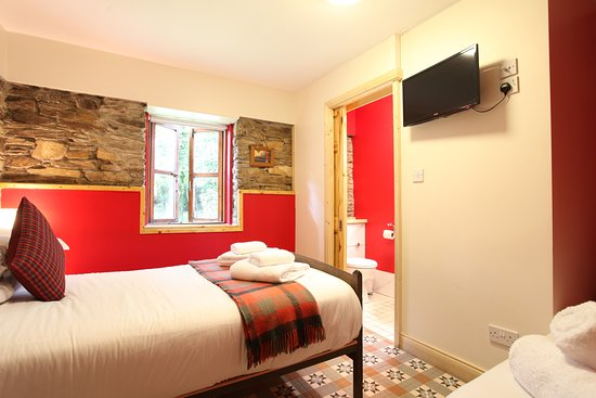 Moville Boutique Hostel: The Red Room