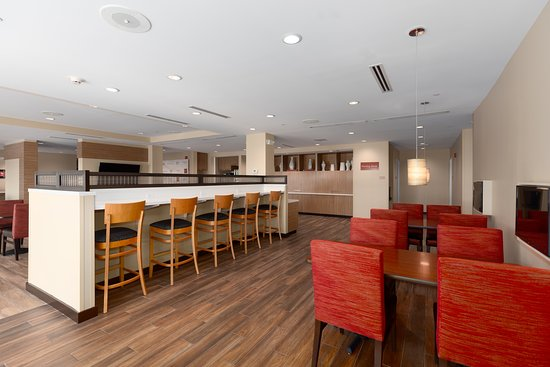 TownePlace Suites Owensboro: Breakfast Area