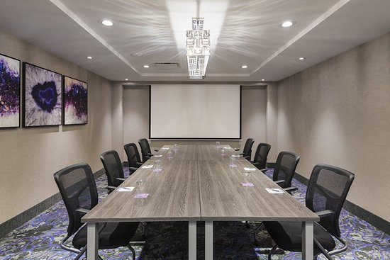 Montreux Meeting Room