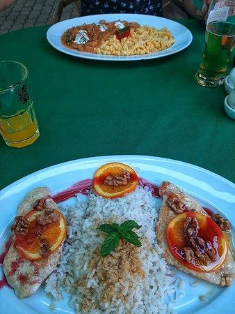 Kellemes, finom vacsora a Muskátli vendéglőben Badacsonytomajban.