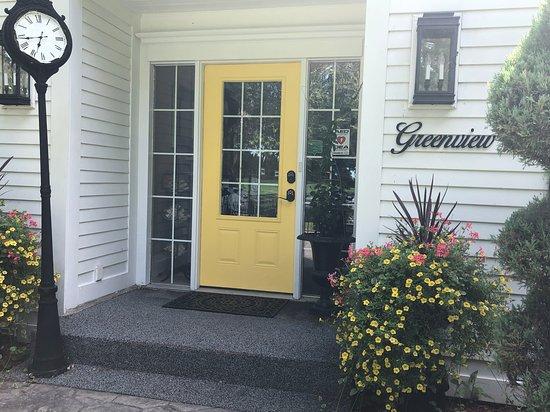 Greenview Manor, Luxury Bed & Breakfast: Front Door