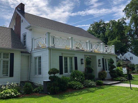 Greenview Manor, Luxury Bed & Breakfast: Frint View