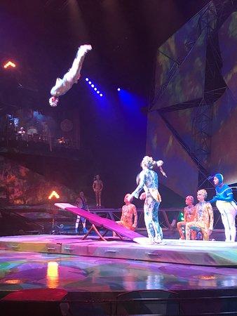 Mystère ™ av Cirque du Soleil® på Treasure Island Hotel and Casino: Mystère