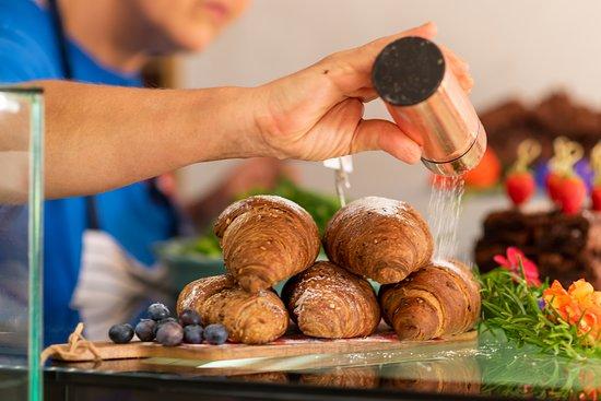 Love All Tennis Cafe: Vegan scones