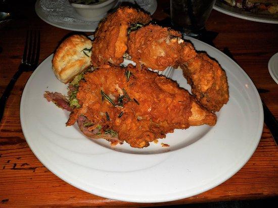 The Red Fox Inn & Tavern: Fried Chicken Dinner