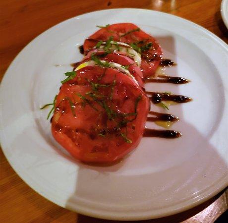 The Red Fox Inn & Tavern: Heirloom Tomato Salad
