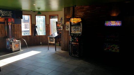 Thetford Mines, Canada: Arcades : Course Rush, Hammer, Buck hunter, Multi-arcade Marvel (plus de 300 jeux), Dard, Machine à toutou et punch arcade (le cogneur)