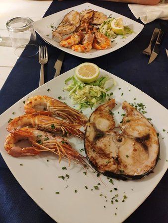 Отличное заведение! Очень вкусные и свежие морепродукты и паста!Рекомендую к посещению!
