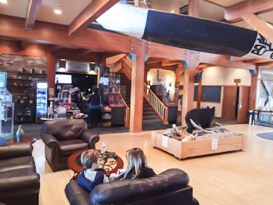 Cape Fox Lodge: Lobby & Common Area