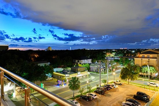 Bulla Gastrobar: Rooftop Bar - evening view.