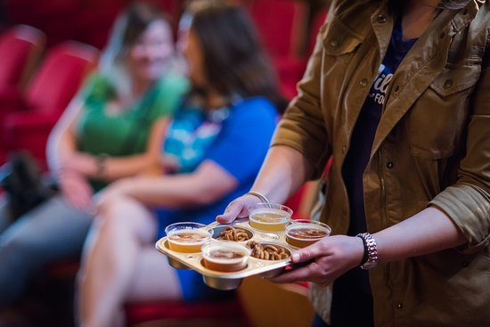 Milwaukee Food & City Tours : Milwaukee is filled with great breweries and distilleries to tour and sample. How is our Craft Breweries & Cocktails tour unique? This tour is focused on discovering new craft breweries and distilleries in Milwaukee – before they become famous!