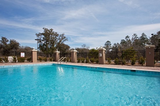 Holiday Inn Express Hotel & Suites Perry: Pool