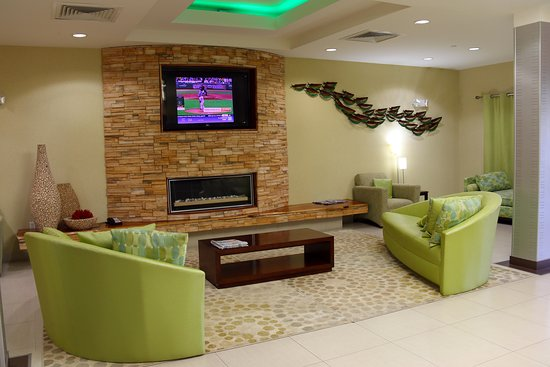 Holiday Inn Express Hotel & Suites Perry: Lobby
