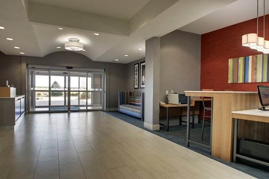 Holiday Inn Express Hotel & Suites Vernon College Area (Hwy 287): Lobby