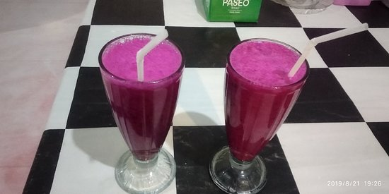 Riung, Indonesia: Dragonfruit juice at Pato Resto