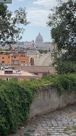 Rome by Vespa Sidecar with Cappuccino: Vatican at a distance
