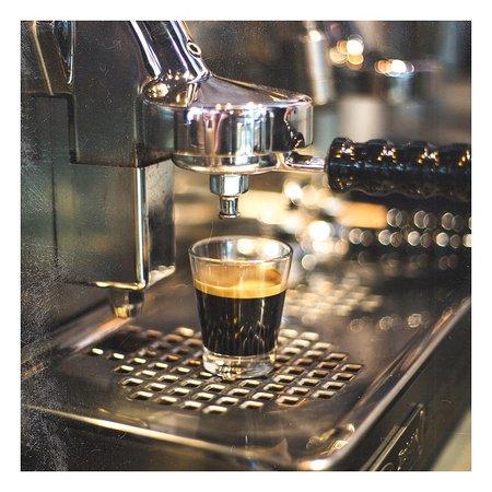 Une belle journée commence toujours avec un bon café