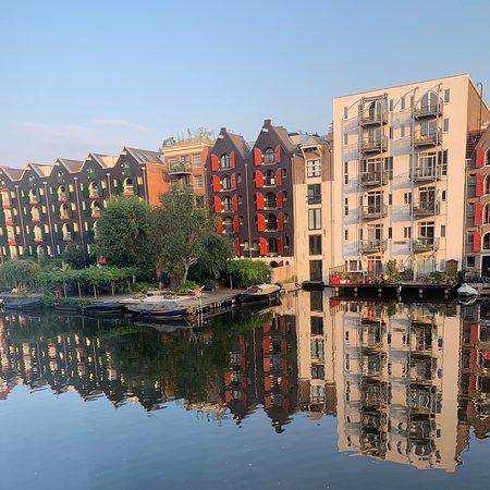 Dam Square: Lovely Amsterdam