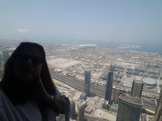 """På toppen, Burj Khalifa - Nivåer 125 + 124 """"Allmän tillträde""""-bild"""