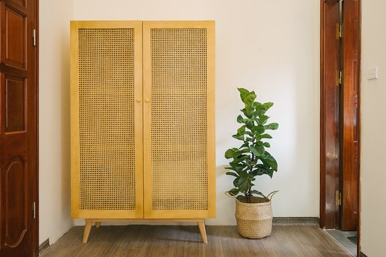 Eden Westlake Homes: A nice wardrobe which is made of rattan