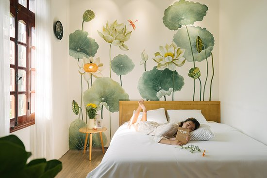 Eden Westlake Homes: A comfortable bed (king size bed with the spring matress 25cm thickness, so soft and smooth, which make you have a good and long sleep)
