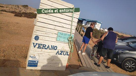 Chiringuito Verano Azul: 100% accesible y respetuoso con el entorno.