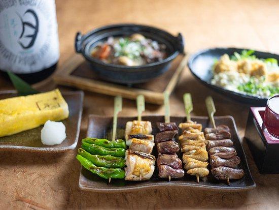 Torigen Ueno Showadori: こだわりの逸品料理をお楽しみ下さい♪ お料理と相性の抜群の日本酒もご用意しております。
