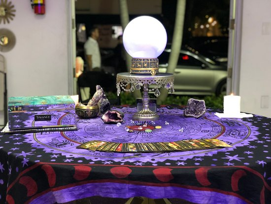 Psychic Readings and Tarot Cards By Hanna