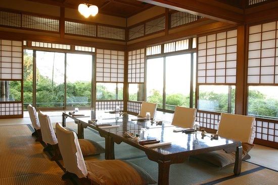Kaisekiryoritoyokan: 東洋館 萩の間 座卓席です。
