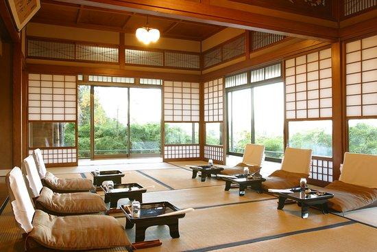 Kaisekiryoritoyokan: 東洋館 萩の間 おぜん席です。