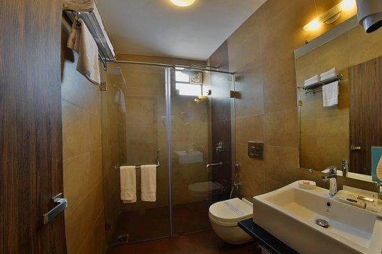 Premium Room's Bathroom