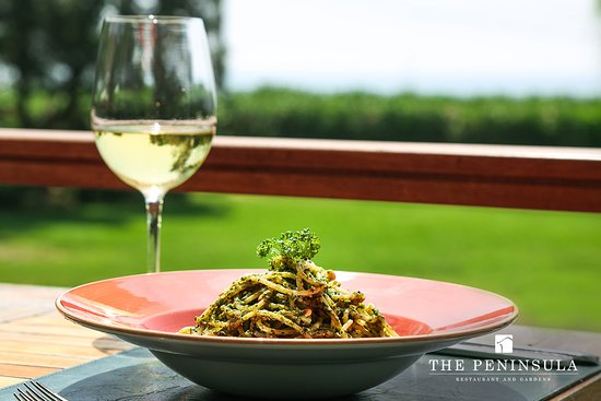 The Peninsula Restaurant and Gardens: Spaghetti al pesto Genovese