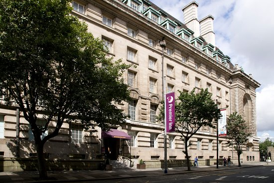 Premier Inn London County Hall hotel