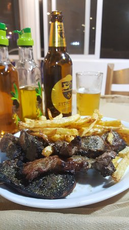 grilled meat with chips