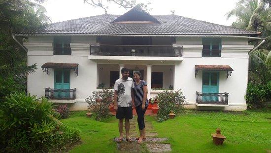 BLive Electric Bike Tours – Escape to Divar Island: Island House