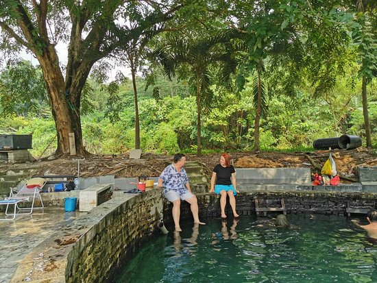 Private Half-Day Batu Caves Waterfalls and Hot Springs Tour: At the hot spa