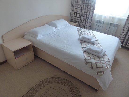 Irkut Hotel: a double bed