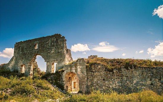 Sevastopol Travel Agency: Мангуп-Кале. Средневековая крепость, столица княжества Феодоро.