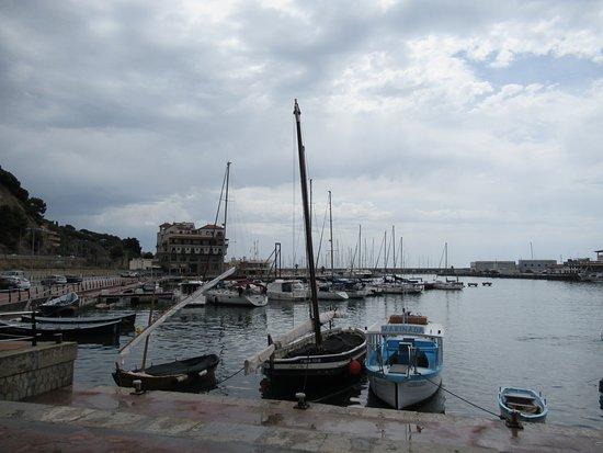 Puerto De Arenys De Mar