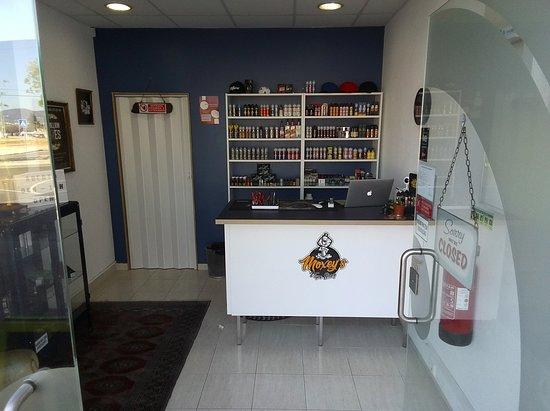 Moxey's Vape Shop: Entrada