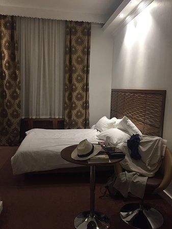 Karoon Hotel