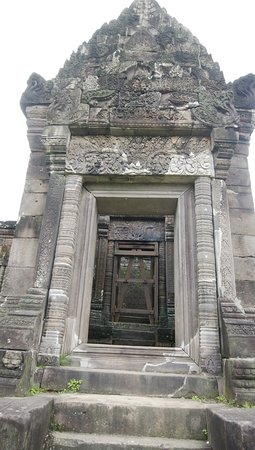 Γουάτ Πχου: プレアビヒアに似ている祠堂