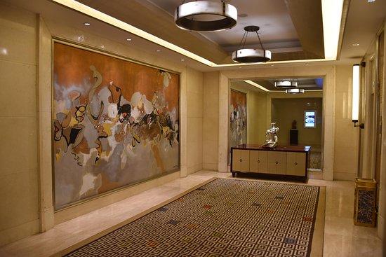 Dans les couloirs de l'hôtel