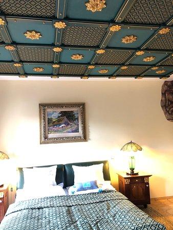 براج, جمهورية التشيك: Our room suite  at the Hotel U Páve which I recommend. Traditional and easy walking distance to the castle, palace and cathedral.