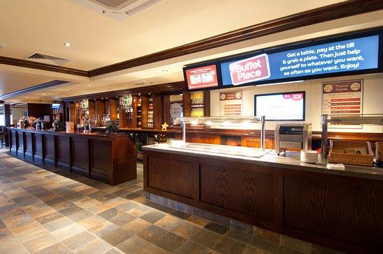 Premier Inn London Dagenham hotel: Brewers Fayre restaurant interior