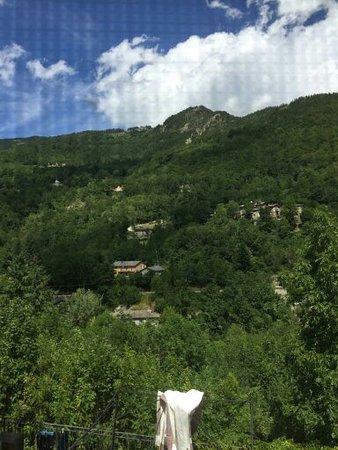 Canevare, Italia: Vista dalla sala piccola del ristorante Gabriella